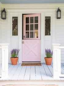 90 awesome front door farmhouse entrance decor ideas (48)