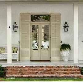 90 awesome front door farmhouse entrance decor ideas (61)