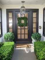 90 awesome front door farmhouse entrance decor ideas (71)