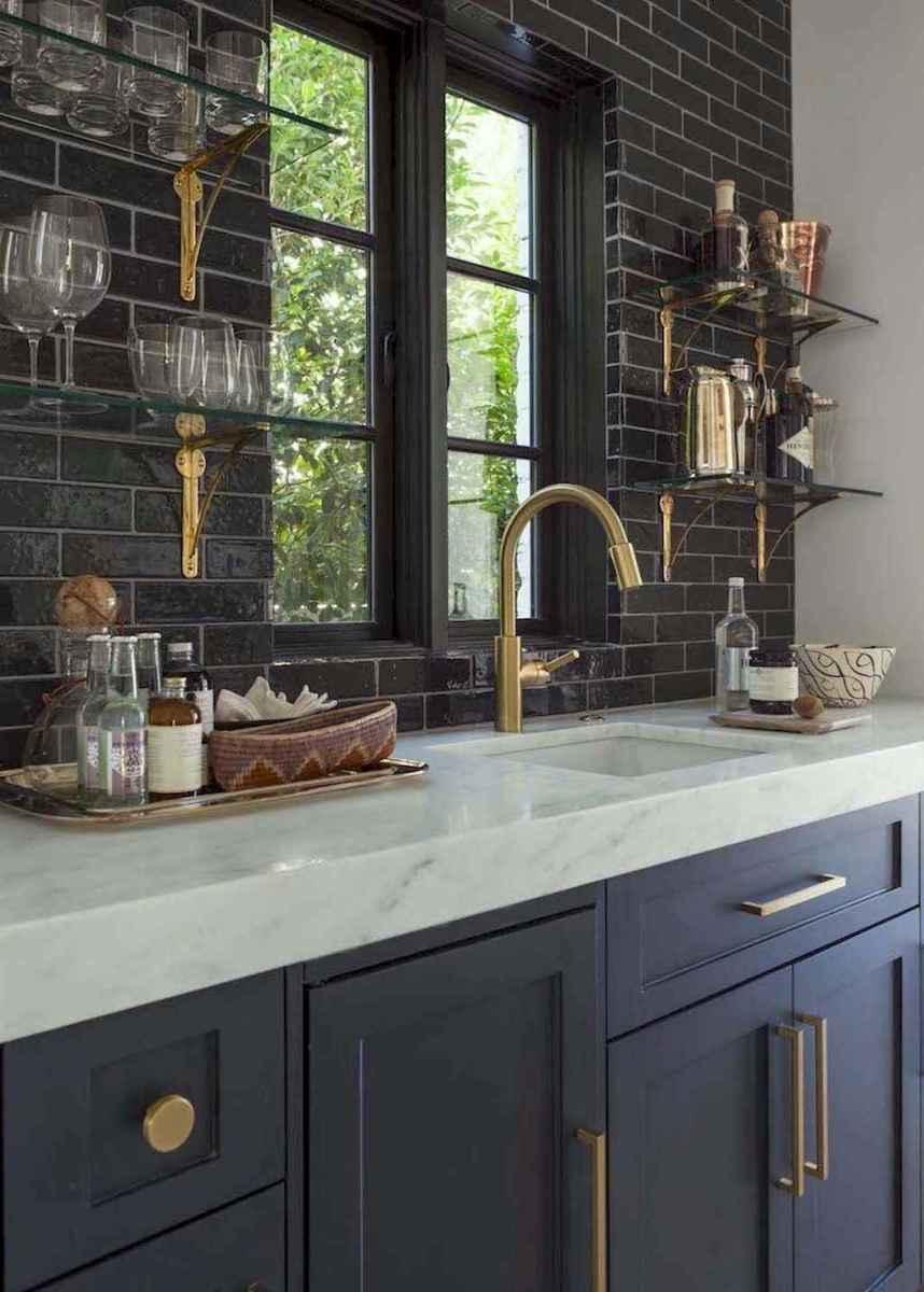 90 pretty farmhouse kitchen cabinet design ideas (48)