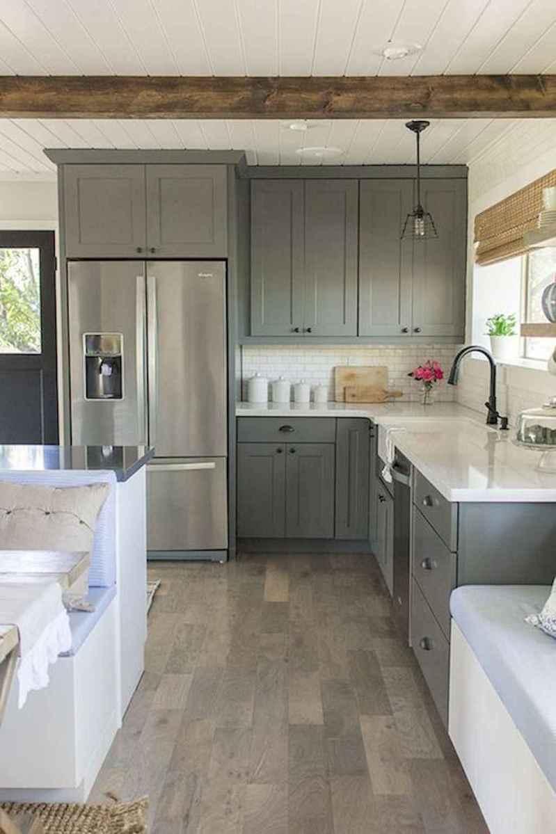 90 pretty farmhouse kitchen cabinet design ideas (62)