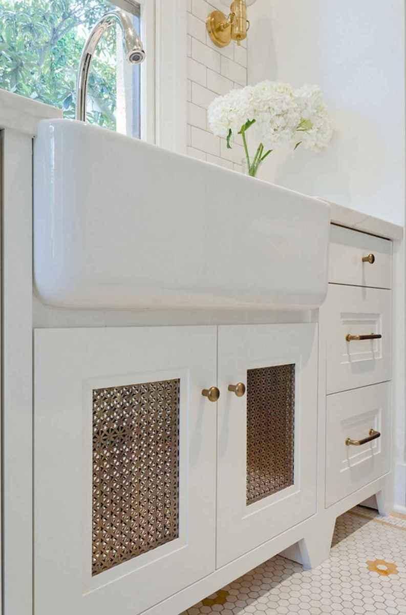 90 pretty farmhouse kitchen cabinet design ideas (81)