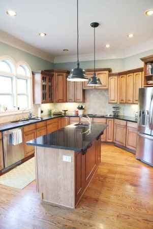 100 best oak kitchen cabinets ideas decoration for farmhouse style (38)