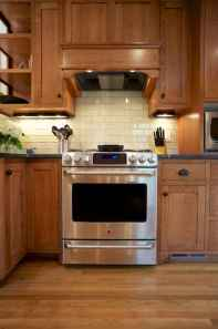 100 best oak kitchen cabinets ideas decoration for farmhouse style (75)