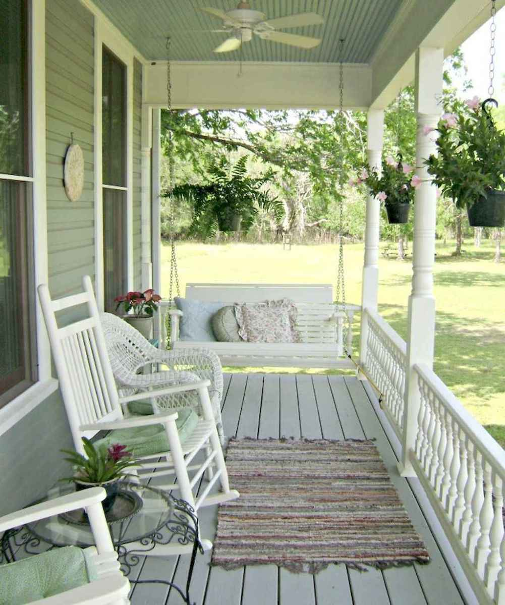 110 best farmhouse porch decor ideas (27)