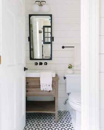 50 best farmhouse bathroom tile remodel ideas (39)