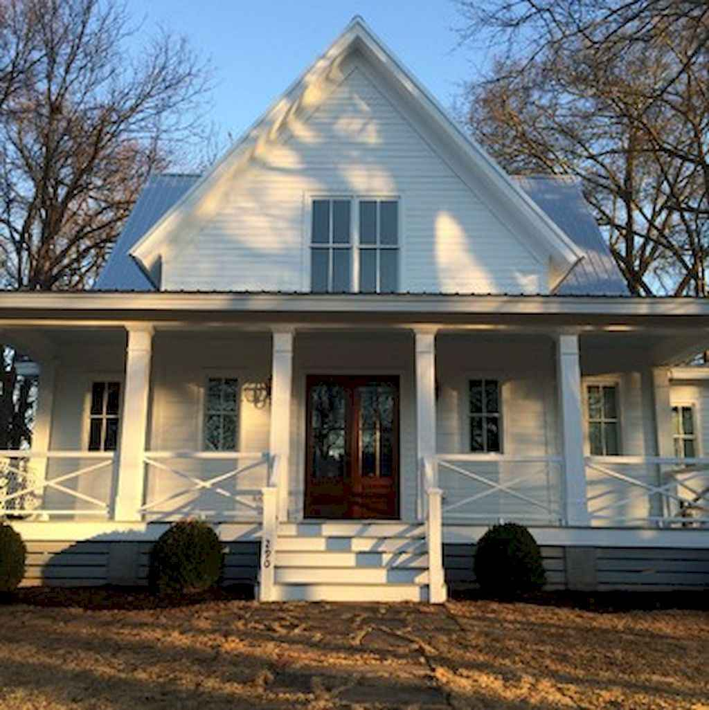 65 Stunning Farmhouse Porch Railing Decor Ideas 11