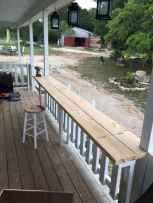65 stunning farmhouse porch railing decor ideas (34)