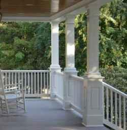 65 stunning farmhouse porch railing decor ideas (43)