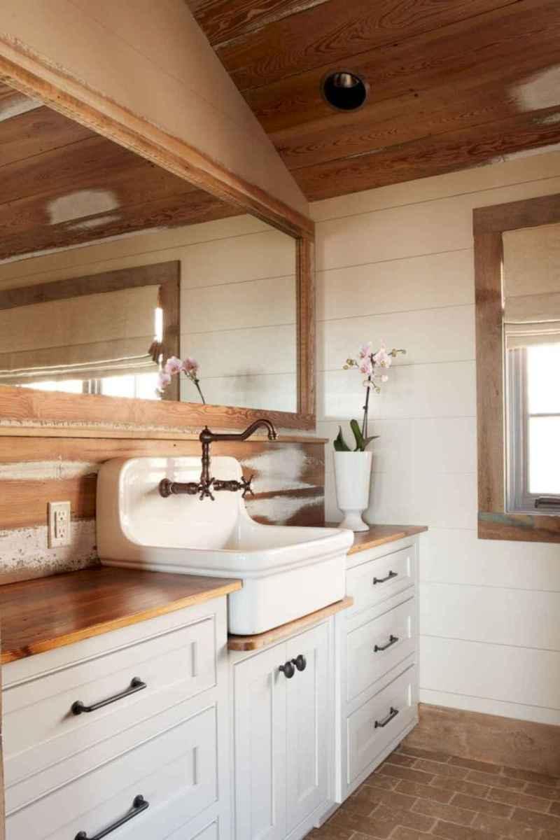 90 best lamp for farmhouse bathroom lighting ideas (15)