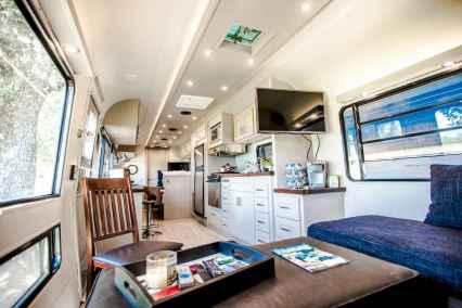 90 modern rv remodel travel trailers ideas (60)