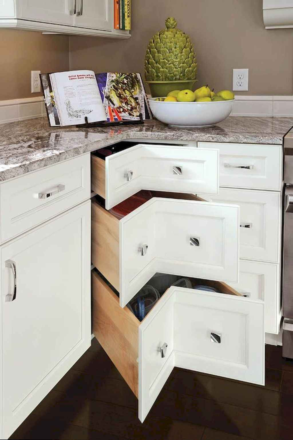 Best 100 white kitchen cabinets decor ideas for farmhouse - Kitchen cabinet layout ideas ...