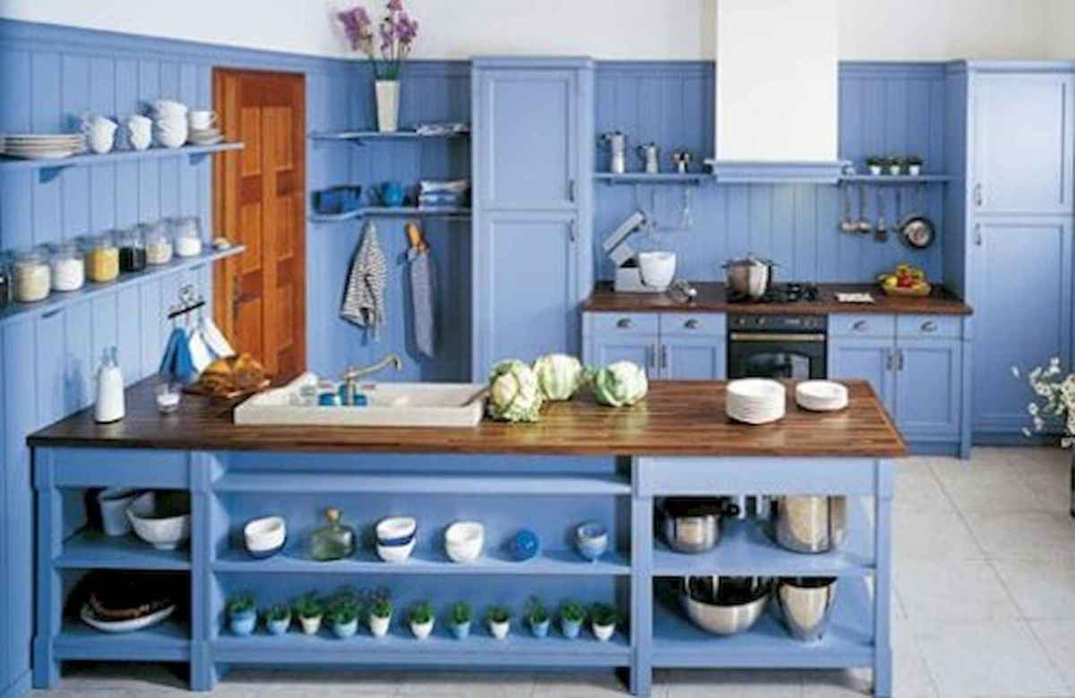 Best 40 colorful kitchen cabinet remodel ideas for first apartment (7)