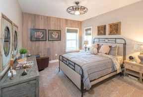100 elegant farmhouse master bedroom decor ideas (32)