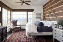 100 elegant farmhouse master bedroom decor ideas (36)