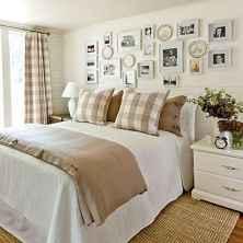 100 elegant farmhouse master bedroom decor ideas (84)