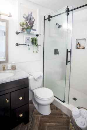 111 awesome small bathroom remodel ideas on a budget (109)