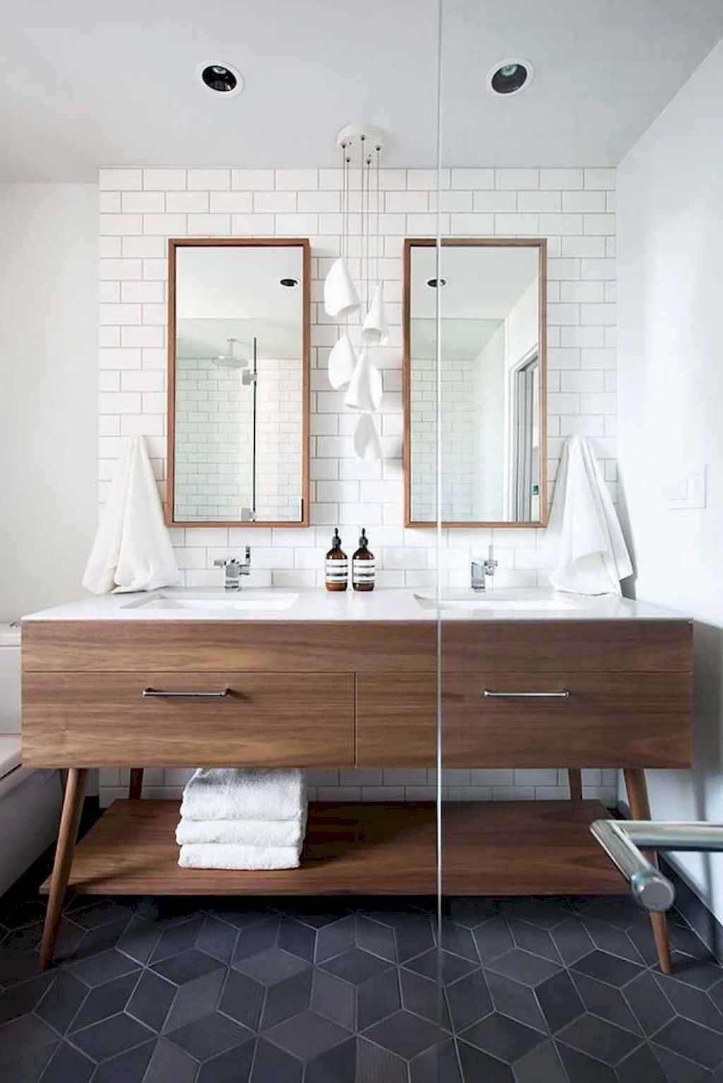 111 awesome small bathroom remodel ideas on a budget (93)