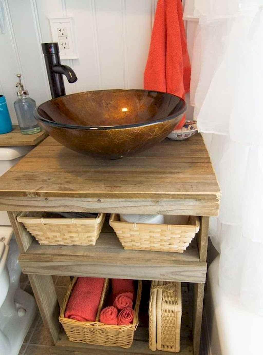 125 awesome farmhouse bathroom vanity remodel ideas (114)