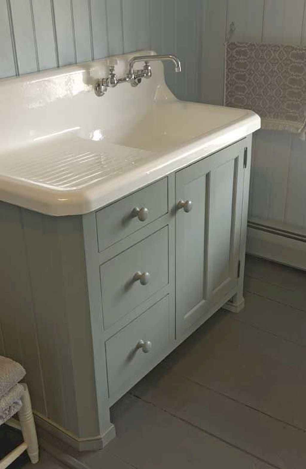 125 awesome farmhouse bathroom vanity remodel ideas (72)