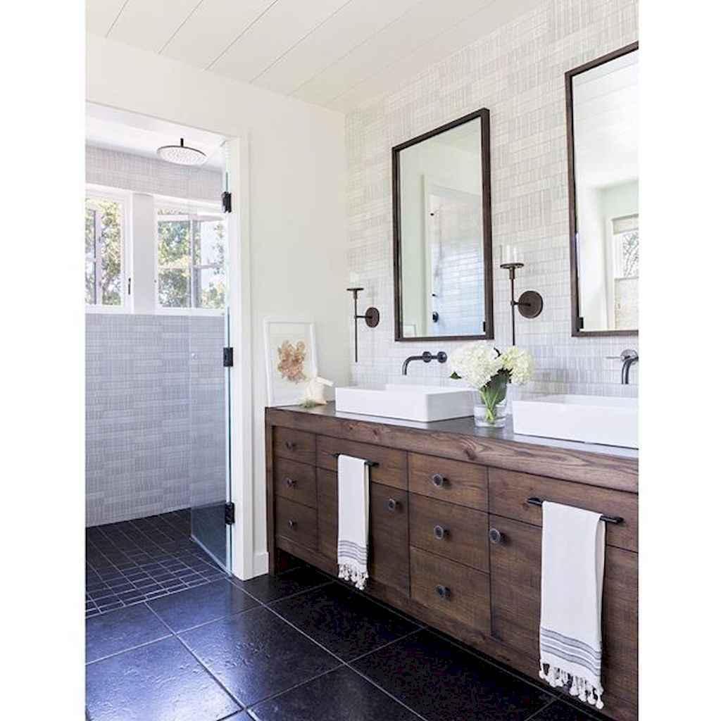 125 awesome farmhouse bathroom vanity remodel ideas (87)