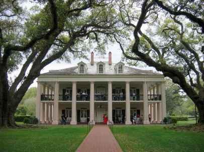 80 awesome plantation homes farmhouse design ideas (37)
