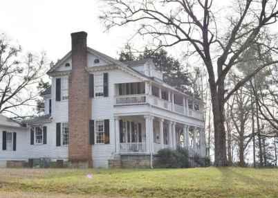 80 awesome plantation homes farmhouse design ideas (4)