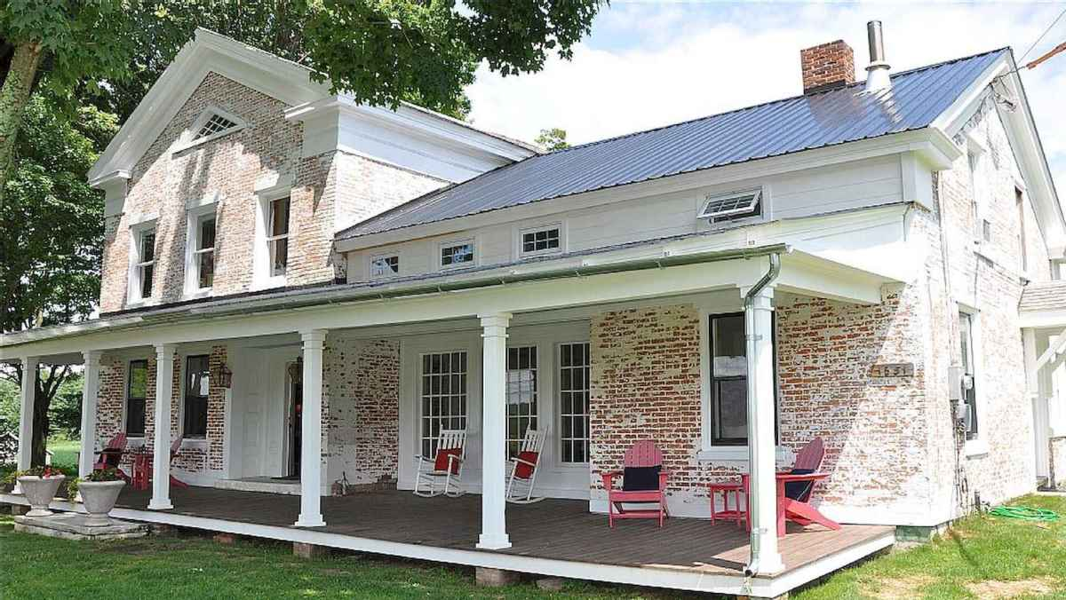 80 awesome victorian farmhouse plans design ideas (11)