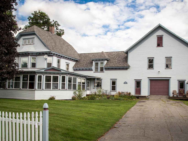 80 awesome victorian farmhouse plans design ideas (22)