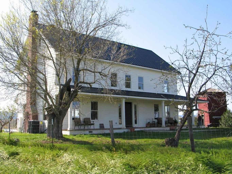 80 awesome victorian farmhouse plans design ideas (69)