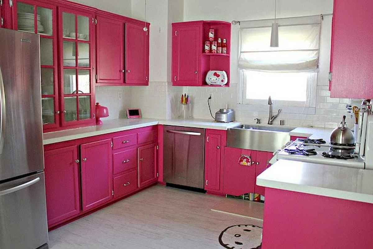 Best 40 colorful kitchen cabinet remodel ideas for first apartment (28)