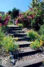 140 beautiful backyard landscaping decor ideas (131)