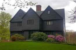35 handsome black house exterior decor ideas (26)