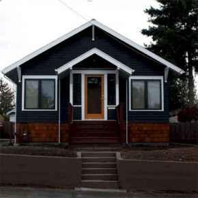 35 handsome black house exterior decor ideas (9)