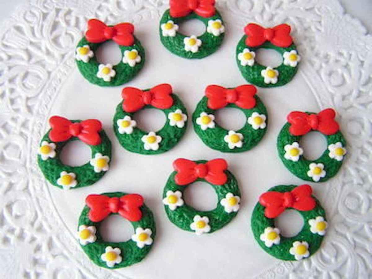 50 easy to try diy polymer clay christmas design ideas (13)