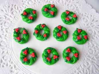 50 easy to try diy polymer clay christmas design ideas (14)