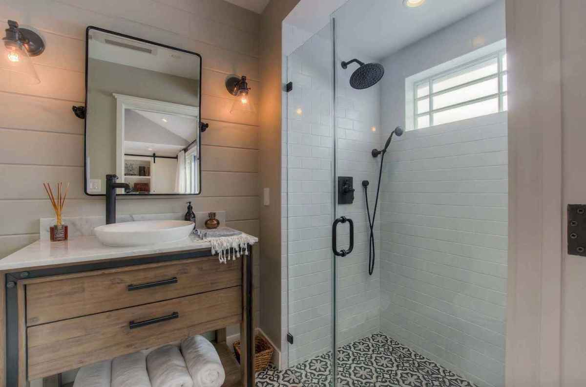 100 best farmhouse bathroom tile shower decor ideas and remodel to inspiring your bathroom (2)