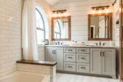 120 best modern farmhouse bathroom design ideas and remodel to inspire your bathroom (60)