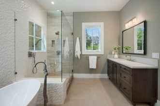 150 stunning farmhouse bathroom tile floor decor ideas and remodel to inspire your bathroom (77)