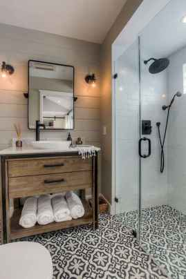 150 stunning small farmhouse bathroom decor ideas and remoddel to inspire your bathroom (32)