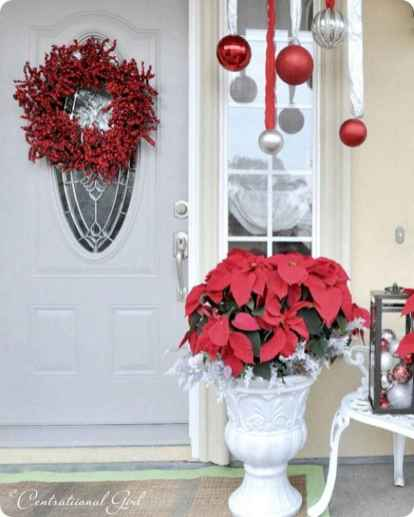 50 beautiful christmas porch decorations ideas and remodel (27)