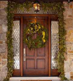 50 beautiful christmas porch decorations ideas and remodel (46)