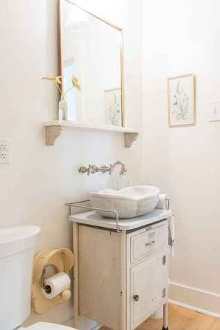 50 small guest bathroom ideas decorations and remodel (21)