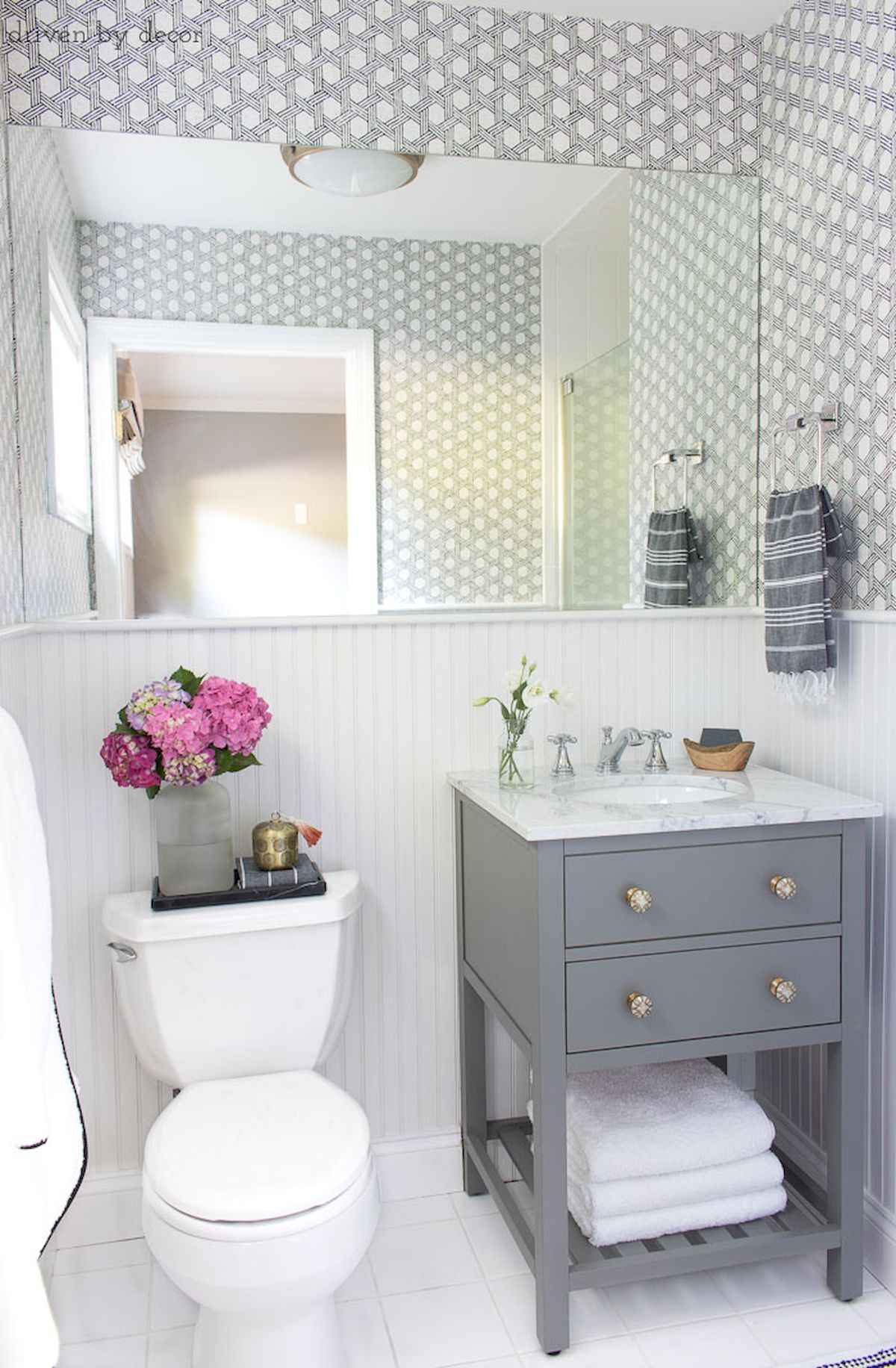50 Small Guest Bathroom Ideas Decorations And Remodel (40)