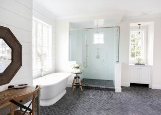 70 inspiring farmhouse bathroom shower decor ideas and remodel to inspire your bathroom (3)