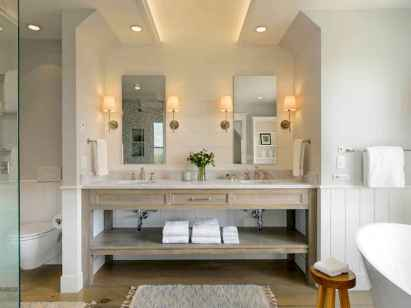 80 awesome farmhouse master bathroom decor ideas and remodel to inspire your bathroom (40)