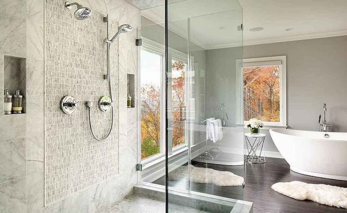 80 awesome farmhouse master bathroom decor ideas and remodel to inspire your bathroom (42)