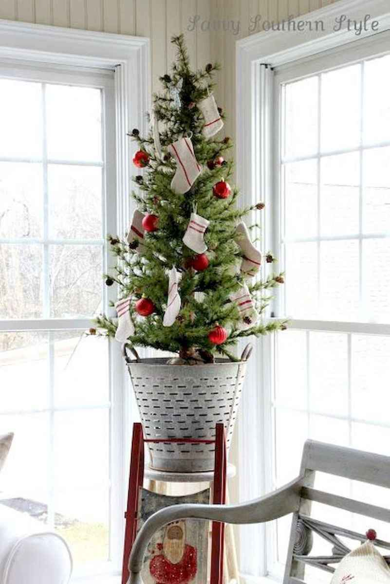 30 rustic and vintage christmas tree ideas decorations (24)