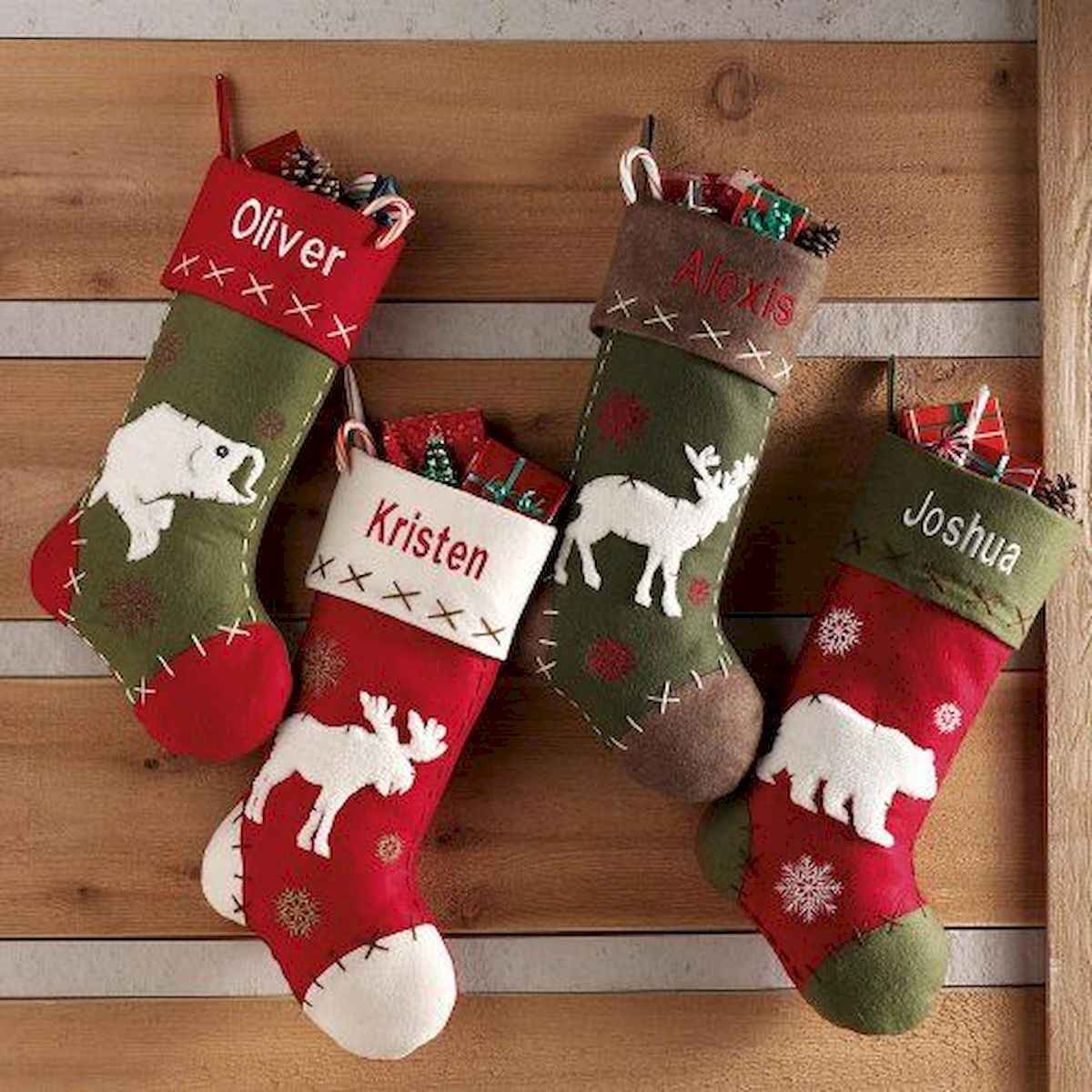 35 awesome apartment christmas decorations ideas (2)
