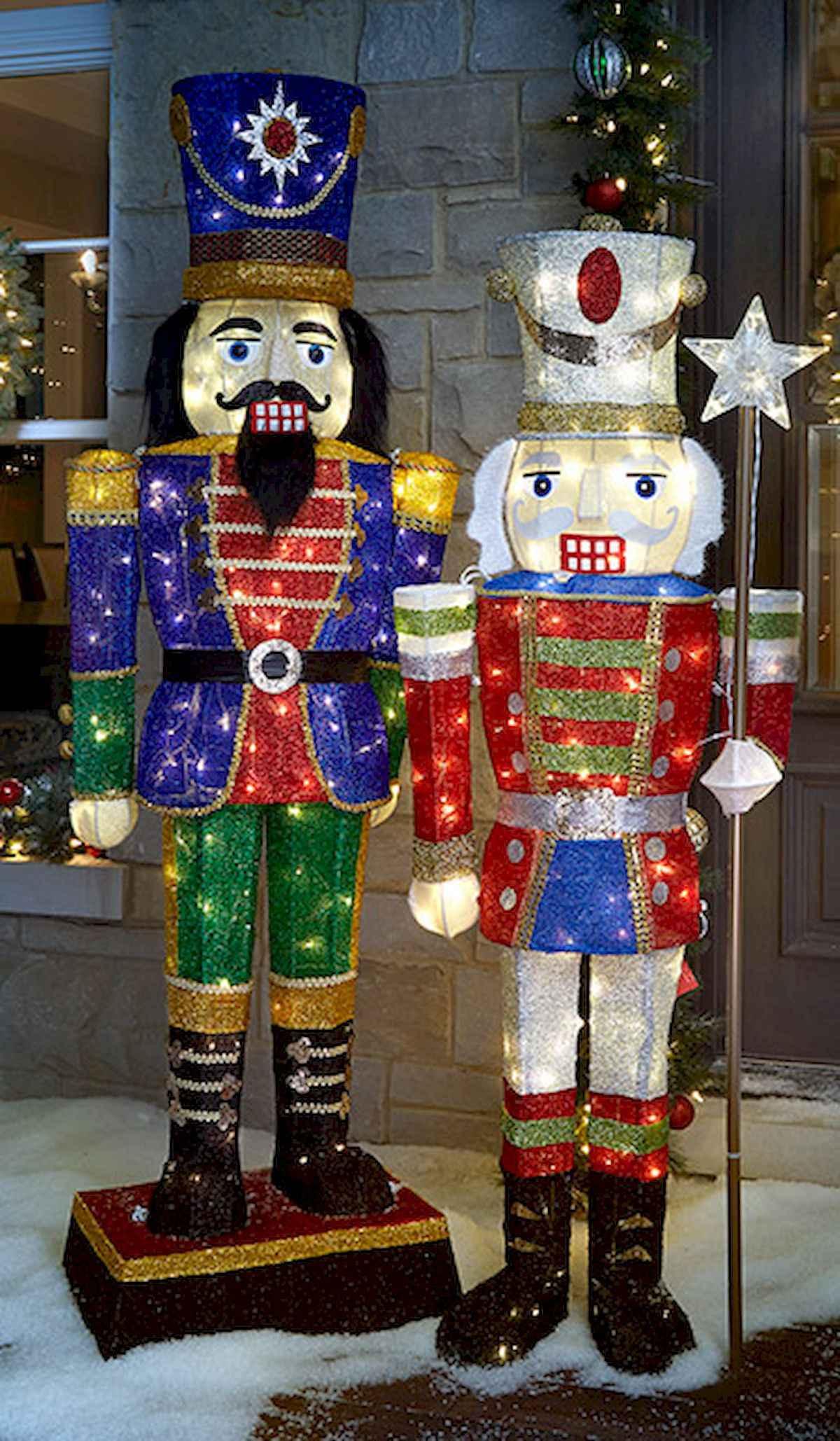 40 amazing outdoor christmas decorations ideas (33)